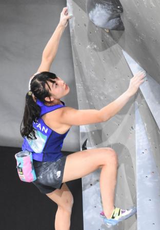 女子複合予選の伊藤ふたば。5位で決勝に進出した=トゥールーズ(共同)