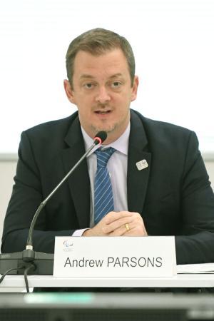 東京パラリンピックの準備状況を確認する事務折衝であいさつするIPCのアンドルー・パーソンズ会長=11日午前、東京都中央区(代表撮影)