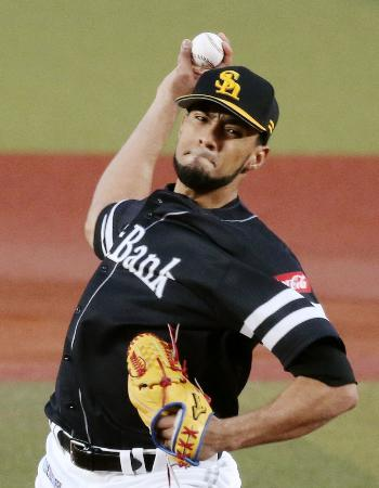 ソフトバンクから阪神へ移籍したロベルト・スアレス投手