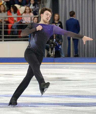 ロシア選手権男子で優勝したドミトリー・アリエフのフリーの演技=クラスノヤルスク(共同)