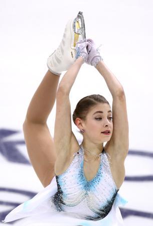 女子SPで演技するアリョーナ・コストルナヤ=クラスノヤルスク(タス=共同)