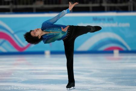 冬季ユース五輪フィギュアスケート、男子ショートプログラムで3位につけた鍵山優真=10日、ローザンヌ(AP=共同)