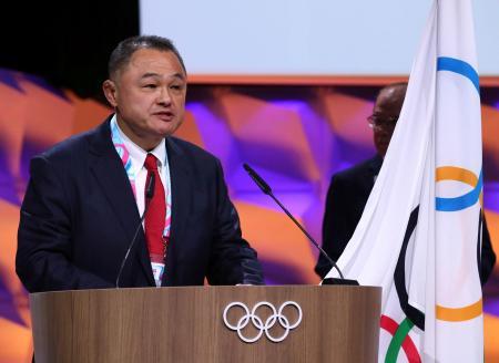 IOC総会で新委員に選ばれ、あいさつするJOC会長の山下泰裕氏=10日、スイス・ローザンヌ(ロイター=共同)