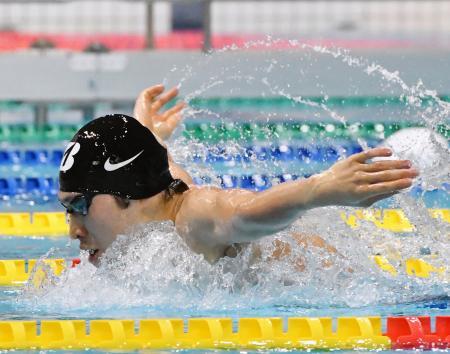今年初戦で男子400メートル個人メドレーを泳いだ萩野公介=東京辰巳国際水泳場