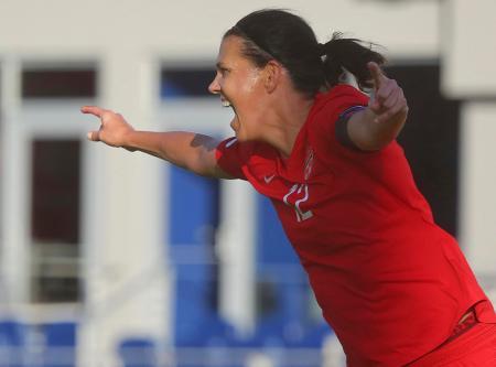サッカー女子の五輪北中米カリブ海予選、セントクリストファー・ネビス戦でゴールを決めたカナダのFWシンクレア=29日、米テキサス州エディンバーグ(ザ・モニター、AP=共同)
