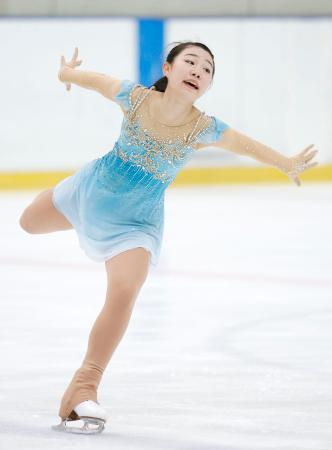 フィギュア少年女子 優勝した愛知・荒木菜那のフリー=三沢アイスアリーナ
