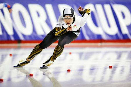 女子1000メートルで優勝した小平奈緒=カルガリー(AP=共同)