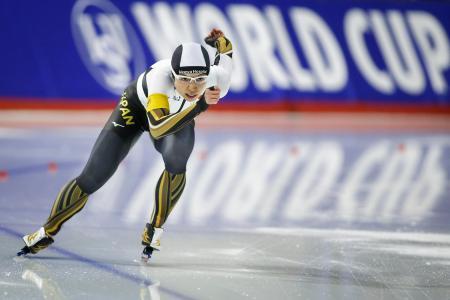 女子500メートルで優勝した小平奈緒=8日、カルガリー(AP=共同)