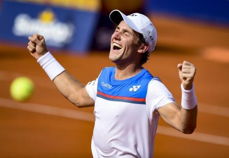 男子テニスのアルゼンチン・オープン、優勝を決め、感極まるカスパー・ルード=16日、ブエノスアイレス(ゲッティ=共同)