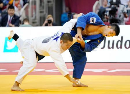 男子73キロ級決勝 韓国の安昌林(下)を破り優勝した大野将平=デュッセルドルフ(共同)
