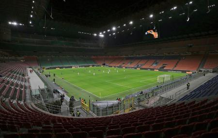 27日、観客を入れずに開催された欧州リーグのインテル・ミラノとルドゴレツの試合=ミラノ(UEFA提供・AP=共同)