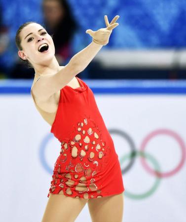 ソチ五輪のフィギュア女子で演技するアデリナ・ソトニコワ=2014年(共同)