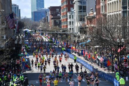 2019年4月のボストン・マラソンのゴール付近(ロイター=共同)
