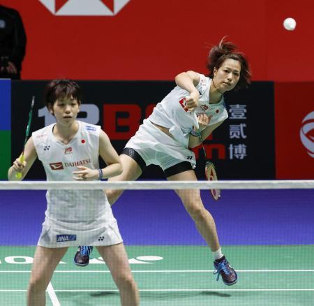 女子ダブルス決勝 中国ペアと対戦する福島(右)、広田組=バーミンガム(共同)