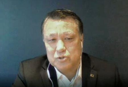 ウェブ上でインタビューに応じる日本サッカー協会の田嶋幸三会長=8日