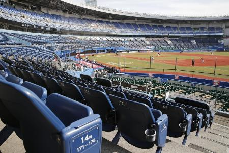 2月、無観客試合が行われたZOZOマリンスタジアム
