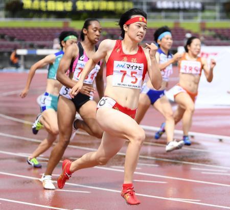 昨年、沖縄で開催された全国高校総合体育大会の陸上競技=タピック県総ひやごんスタジアム