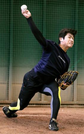 自主練習した巨人の古川=川崎市のジャイアンツ球場(球団提供)