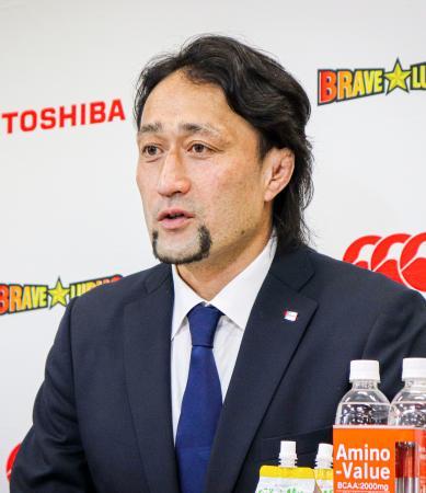 オンラインで現役引退の記者会見をするラグビー元日本代表の大野均=22日(東芝提供)