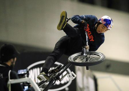 今年1月の国際大会に出場した自転車BMXの中村輪夢=愛知県常滑市