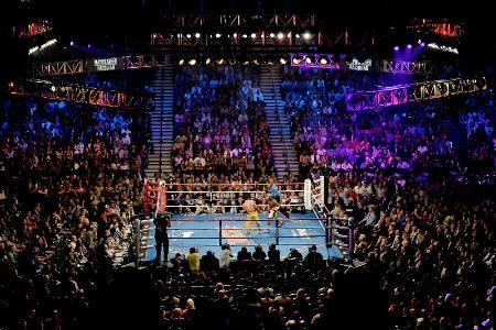 米ラスベガスでのボクシングの試合=2015年5月2日(ゲッティ=共同)