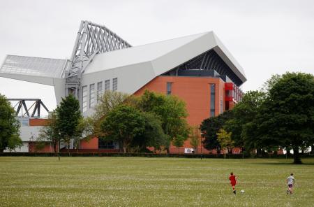 リバプールの本拠地スタジアム「アンフィールド」=5月、リバプール(ロイター=共同)