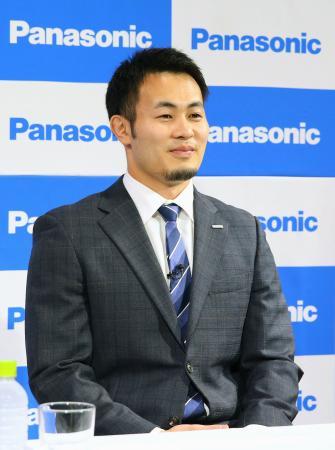 記者会見で東京五輪断念を表明したラグビーの福岡堅樹=14日