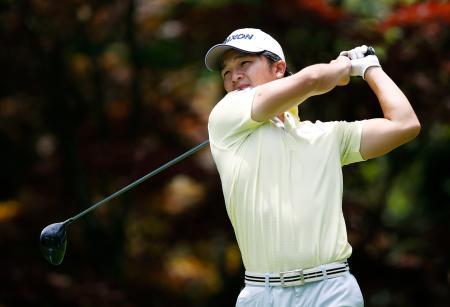 医療従事者支援チャリティーゴルフカップ男子で優勝した香妻陣一朗=17日、兵庫県西宮市