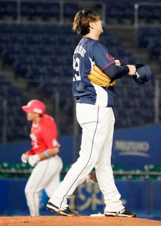 6回、ロッテ・安田(左)に2ランを浴びた西武・高橋光=ZOZOマリン