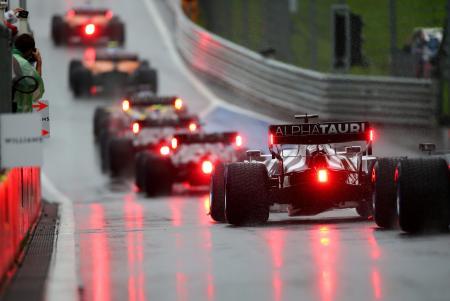 予選に出場した各チームの車両=11日、オーストリア・シュピールベルク(ゲッティ=共同)