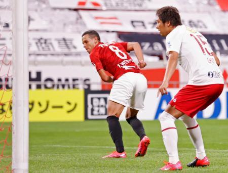 浦和―鹿島 後半、先制ゴールを決めた浦和・エベルトン(8)=埼玉スタジアム