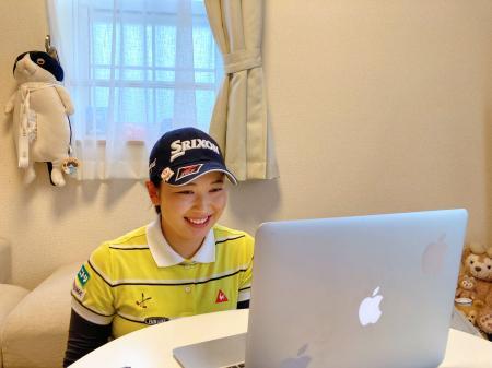 オンラインで記者会見する小祝さくら=14日(日本女子プロゴルフ協会提供)