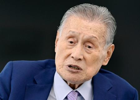 インタビューに答える東京五輪・パラリンピック組織委の森喜朗会長