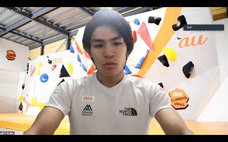 オンラインで取材に応じるスポーツクライミング男子の楢崎智亜=22日