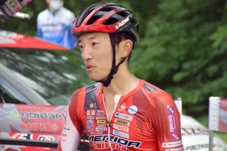 自転車ロードレースの大会に出場した増田成幸選手=23日、群馬県みなかみ町