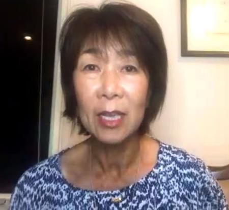 オンラインで記者会見するサッカー女子のプロリーグ「WEリーグ」の岡島喜久子チェア=1日