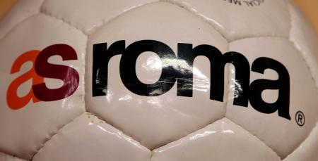 サッカーのイタリア1部リーグ・ローマのロゴ(AP=共同)