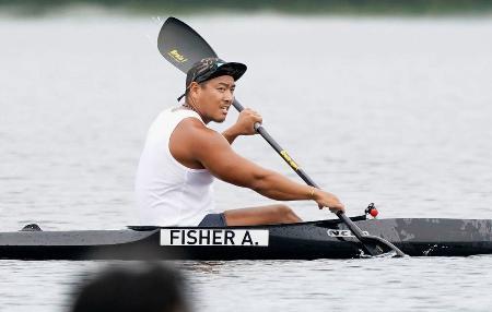 水上練習で汗を流したカヌー・スプリント男子カヤックフォアの松下桃太郎=石川県小松市