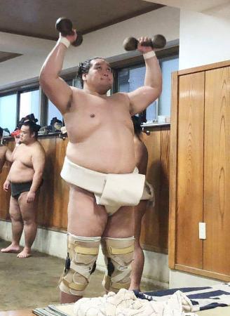 秋場所に向けた稽古を再開した照ノ富士=東京都江東区の伊勢ケ浜部屋