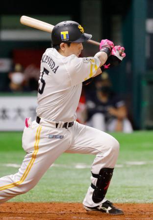 5回ソフトバンク2死二、三塁、松田宣が左前に先制2点打を放つ=ペイペイドーム
