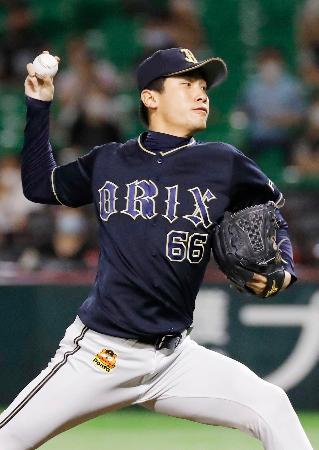 5回に3番手で登板し、プロ初勝利を挙げたオリックス・吉田凌=ペイペイドーム