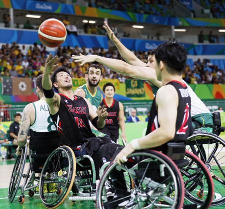 リオデジャネイロ・パラリンピックの車いすバスケット、日本―オーストラリア戦=2016年(共同)