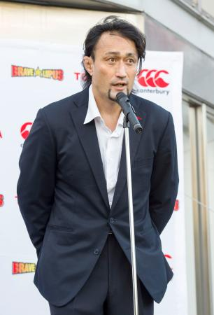 退団セレモニーであいさつするラグビー元日本代表の大野均さん=11日、東京都府中市(東芝提供)