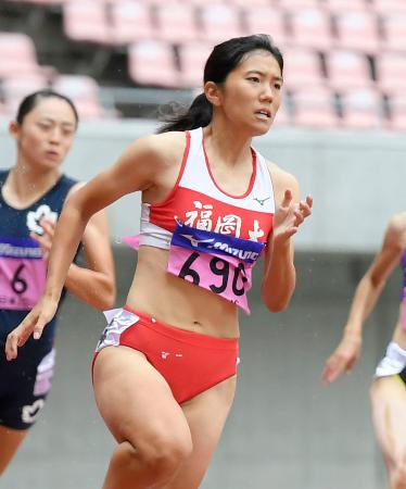女子200メートル決勝 23秒68で優勝した児玉芽生=デンカビッグスワンスタジアム