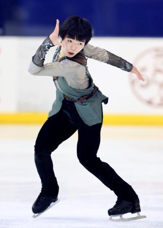 「ドリーム・オン・アイス」でフリーを披露する鍵山優真=コーセー新横浜スケートセンター(代表撮影)