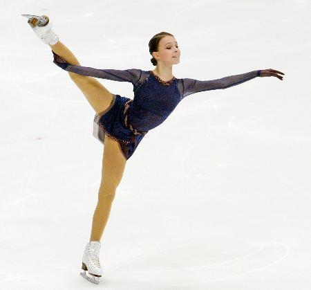13日、今季のフリーの演技を公開したロシアのアンナ・シェルバコワ=モスクワ(共同)