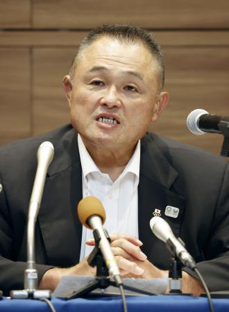 柔道のグランドスラム東京大会の中止などについて語る、全日本柔道連盟の山下泰裕会長=23日午後、東京都新宿区