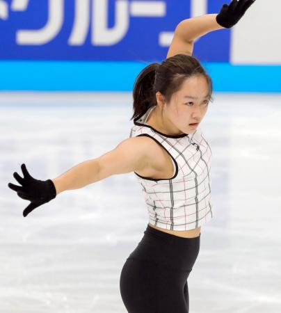 ジャパン・オープンの前日練習で調整する樋口新葉=さいたまスーパーアリーナ(代表撮影)