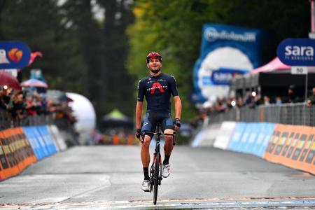 第5ステージを制したフィリッポ・ガンナ=7日、カミリャテッロシラノ(ゲッティ=共同)