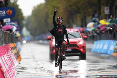 ジロ・ディタリアで第12ステージを制したジョナタン・ナルバエス=15日、チェゼナティコ(ゲッティ=共同)